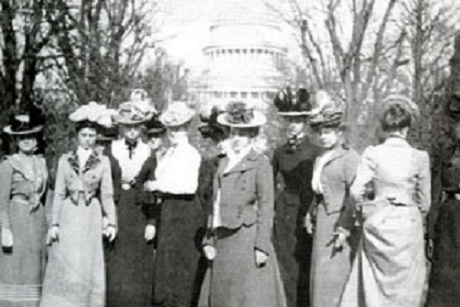 Mount Vernon Seminary students enjoy an excursion to the Capitol, circa 1900
